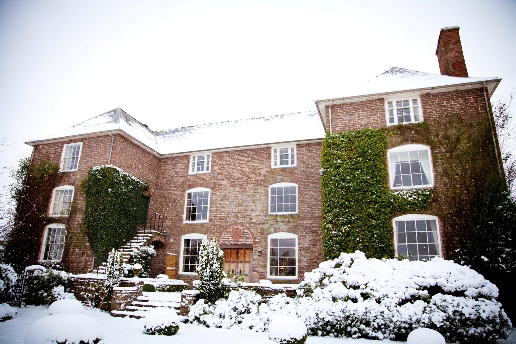 31 Winter Weddings at Dewsall Court