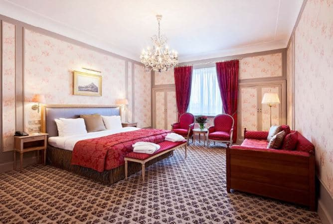 Advance Purchase At Hotel Metropole