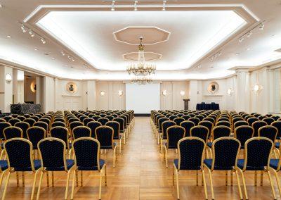 metropole_conference-22-400x284 Sales Representation