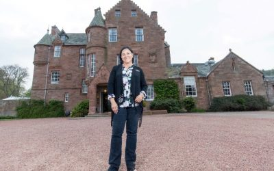 Outlander-Diana-at-Cringletie-House-400x250 PR